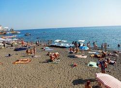 Пляж в Судаке Крым