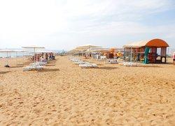 Зона загара пляж Санта Круз Феодосия