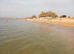 Отдых в Щёлкино парковка у пляжа
