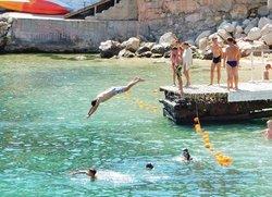 Балаклава отдых пляж Мраморный прыжки с пирса