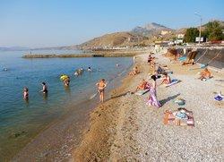 Пляж в Курортном возле набережной