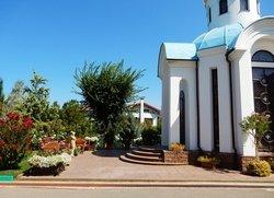 Православный храм возле Вязовой Рощи