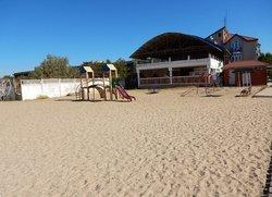 Детская площадка на пляже в Саках Крым