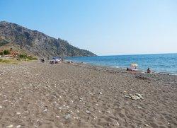 Пляж Весёлое вид на гору Караул-Оба