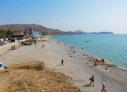 Пляж в Коктебеле на окраине со стороны Феодосии