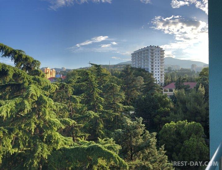 Алушта, вид на парк и горы