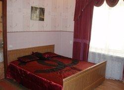 1 комдомик с двориком в Евпатории по ул Бартенева12